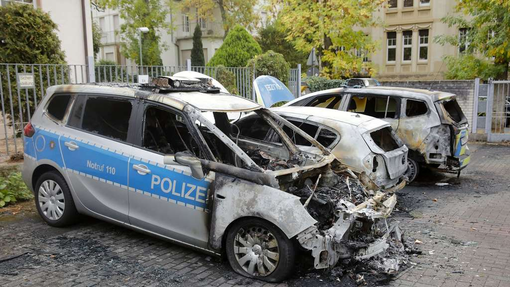 2924552493 Germany  Cop Cars Torched in Frankfurt   Offenbach
