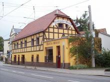 """Die """"Laubegaster Wache"""" ist bisher der am längsten existierende Naziladen in Dresden."""