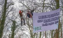 ZiT-Kletteraktion während der Schieneblockade in Köln am 1.April