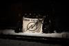 """Solifoto für die Nele35 – Aktivist_innen mit Transparent mit der Aufschrift """"Squat the world"""""""